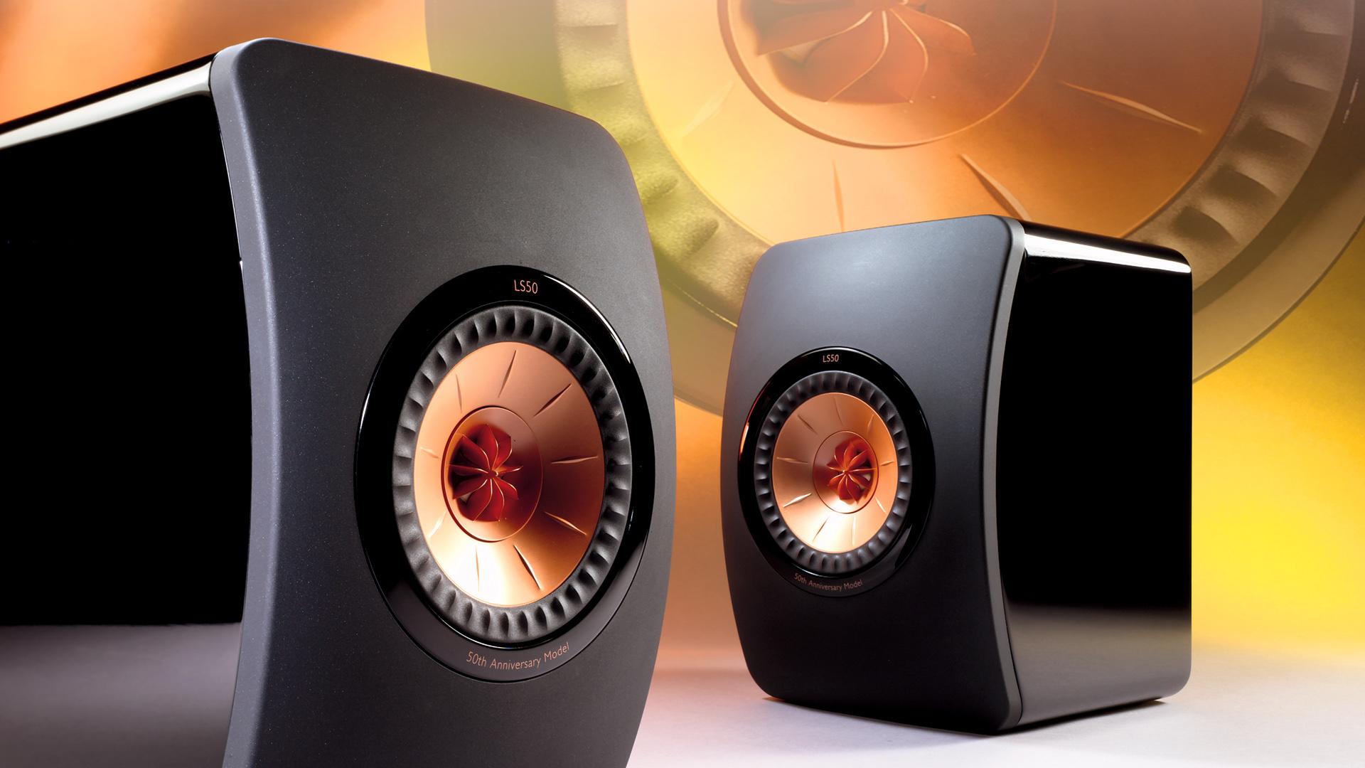 KEF LS50 állványos hangfal teszt az AV-Online oldalán